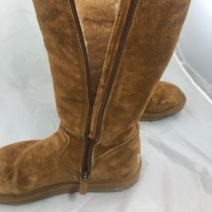 UGG Australia Women's Size 7 Classic Tall BOOTS